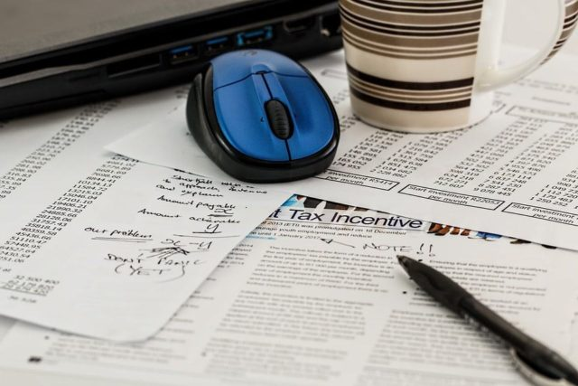Que signifie rêver de taxes ?