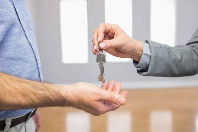 Le rêve de rendre des clés et sa signification: