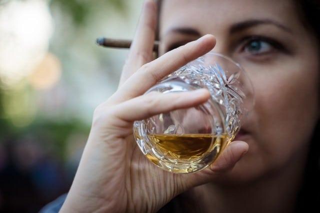 Que signifie un rêve de boire du rhum ?
