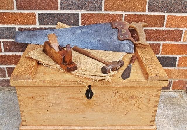 Que signifie un rêve de coffre en bois ?