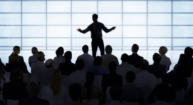 Que signifie un rêve de conférence ?