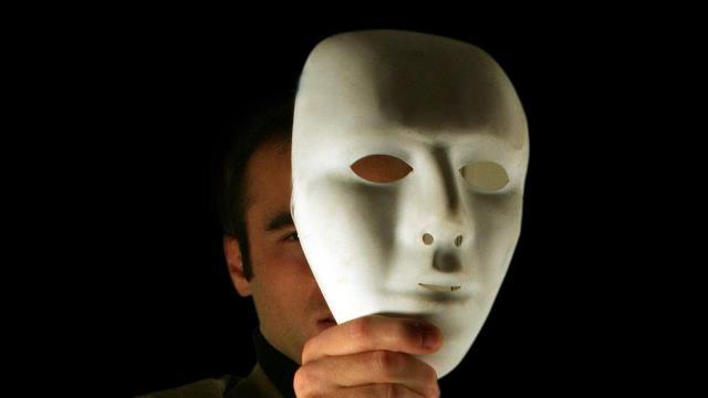 Que signifie rêver de démasquer ?