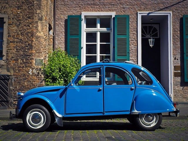 Que signifie rêver de voiture bleue ?