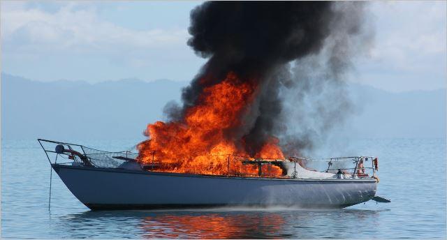 Que signifie rêver de bateau en feu ?