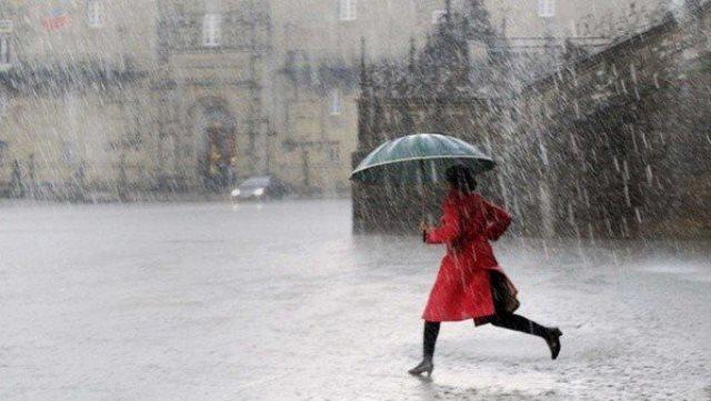 Que signifie rêver de se mouiller sous la pluie ?
