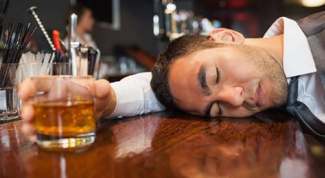 Que signifie rêver d'être ivre ?
