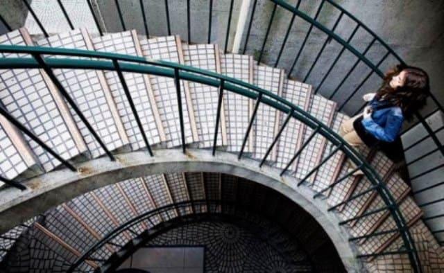 Que signifie rêver de rampe d'escalier ?