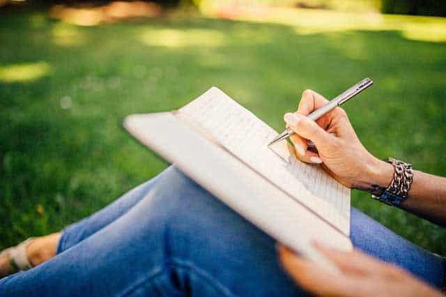 Que signifie rêver d'écrire ?