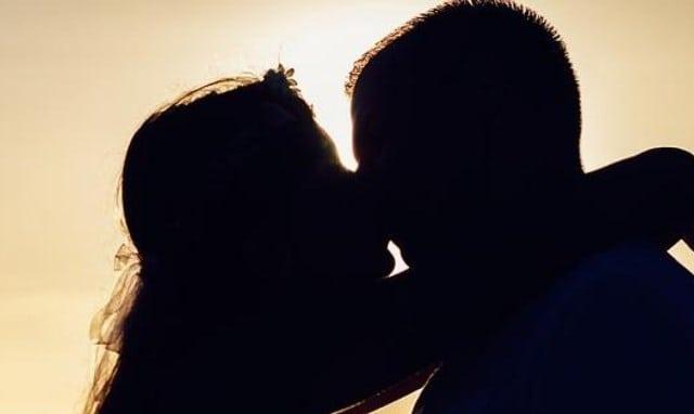 Que signifie rêver d'embrasser un inconnu ?