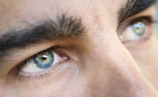 Que signifie rêver d'yeux bleus ?