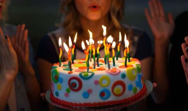 Que signifie rêver de fêter son anniversaire ?